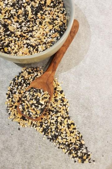 """Everything Bagel Seasoning (""""Litt-av-alt topping til bagels"""")"""