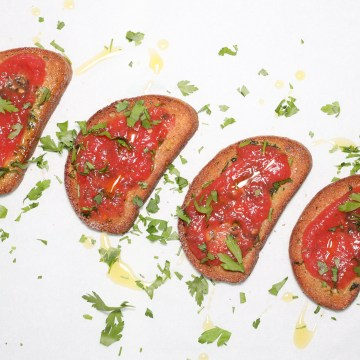 Pan con Tomate - Ristet brød med tomat (lavkarbo)