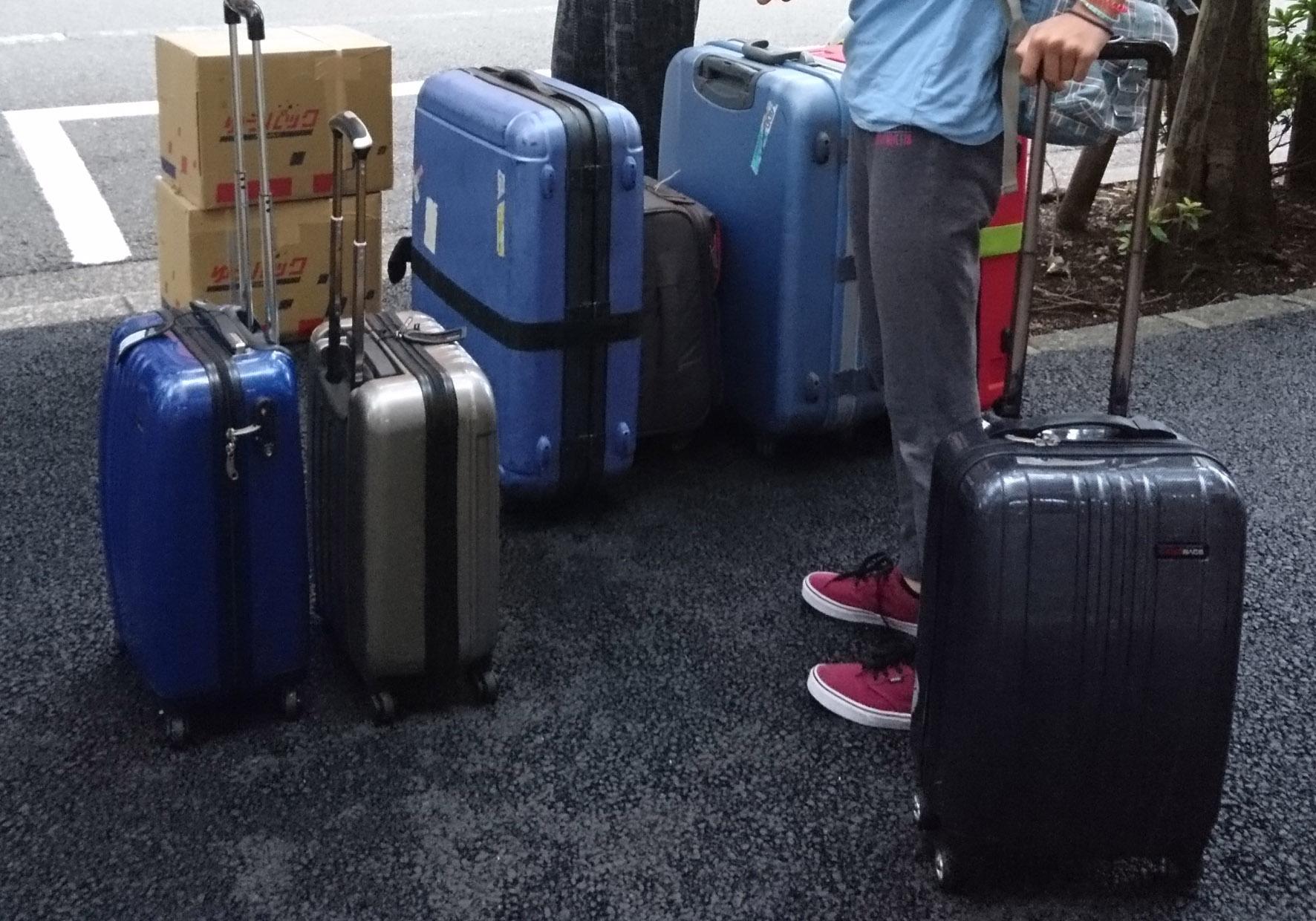 日本から帰国するときの大荷物が入っているスーツケース