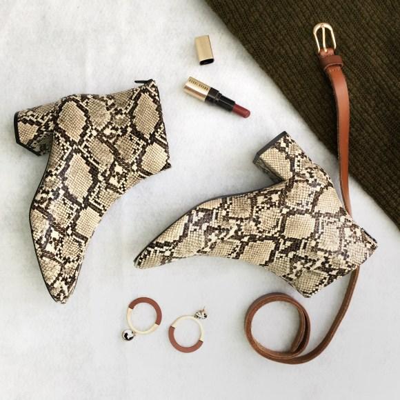 Accessoires, Schuhe in Schlangenleder-Optik