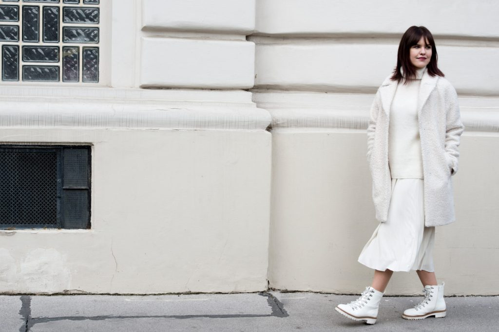 All-White-Look