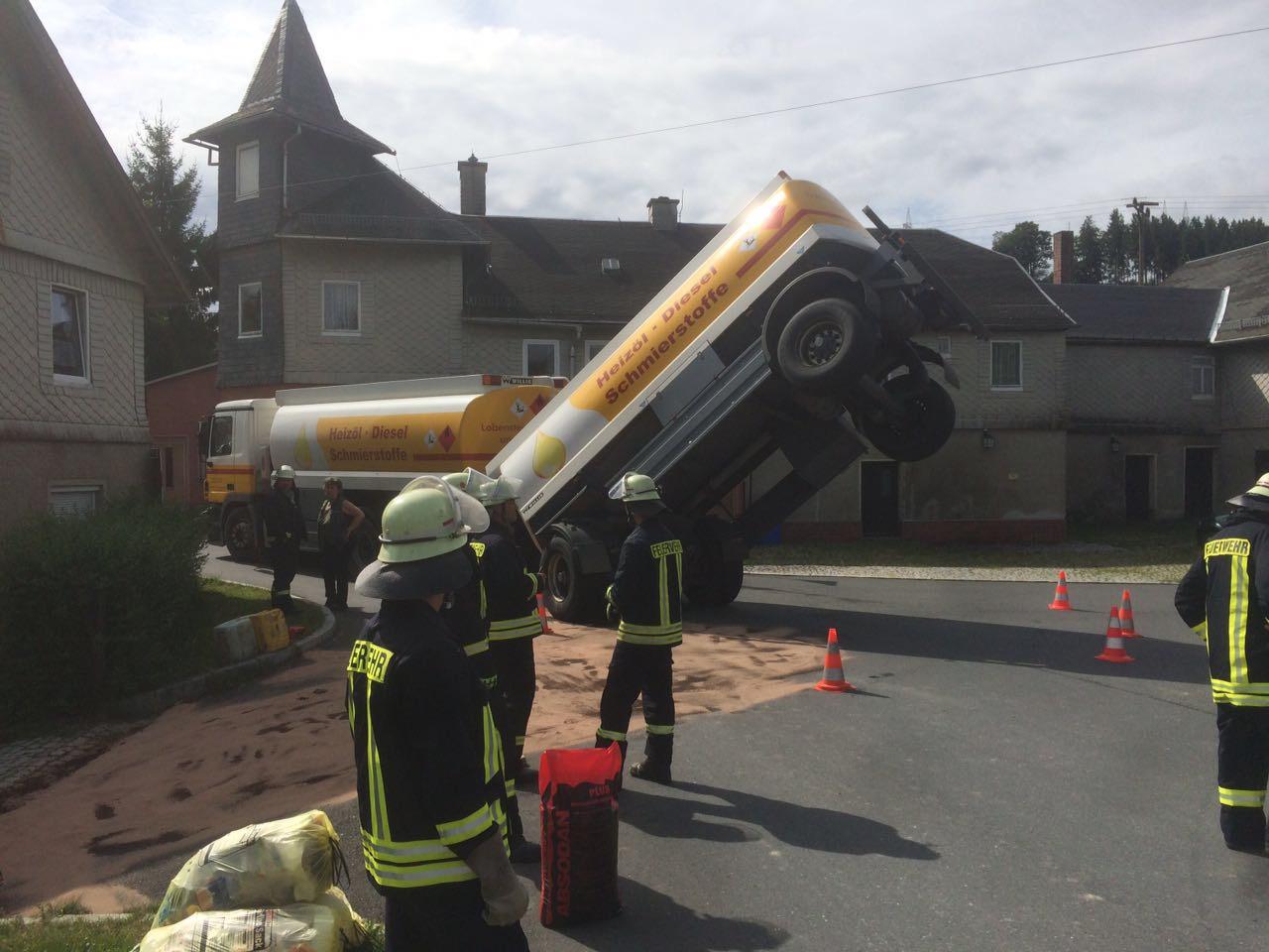 Verkehrsunfall mit Tanklastzug