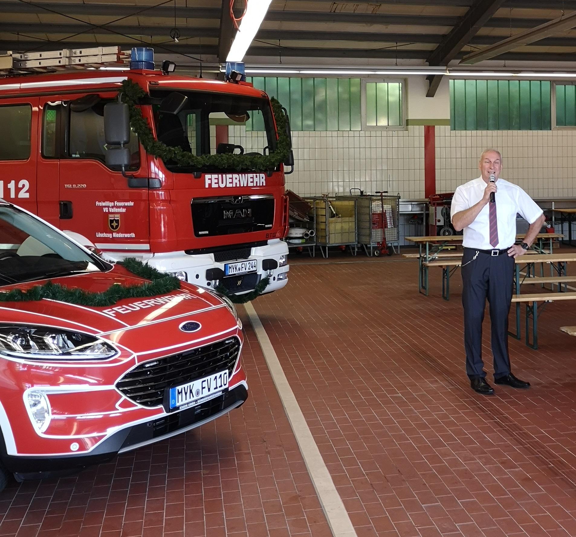 Ferierstunde zur Übergabe der Einsatzfahrzeuge und der Feuerwehreinsatzzentrale