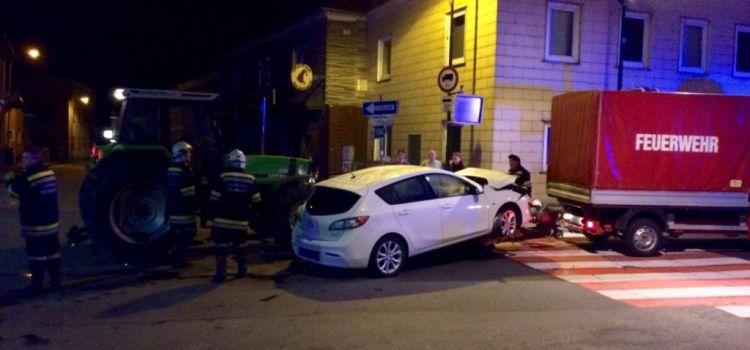 Verkehrsunfall mit Traktor – B1 bei Kirche