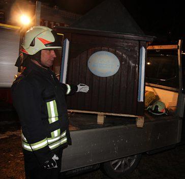 Feuerwehr Bad Kösen, Rettungsaktion Entenhaus auf Schwanensee