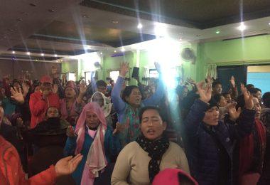 népal 2017 - les aveugles voient, les sourds entendent, des paralysés marchent