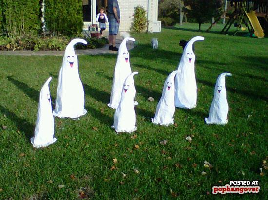 bad-halloween-decorations-6