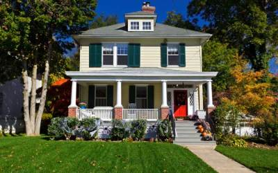 10 Ways To Keep Your Curb Appeal Through Fall