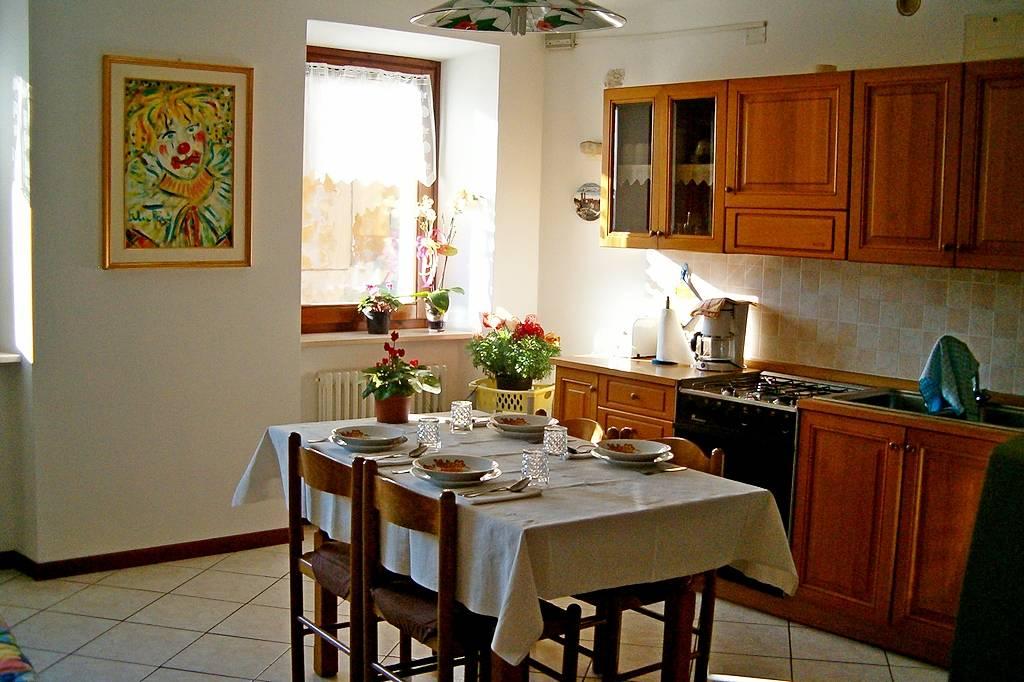 Wohnzimmer Tisch Mit Kühlschrank