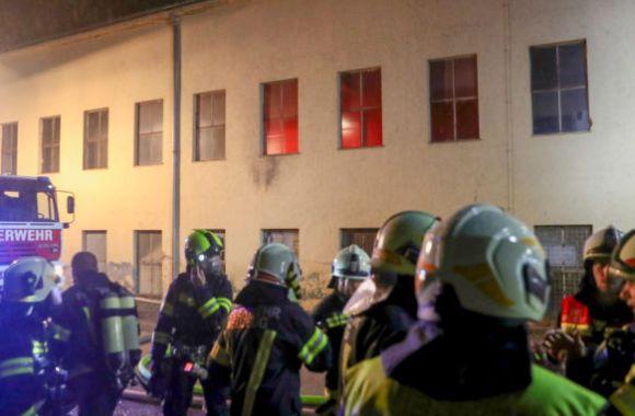 Großbrand in ehemaligem Industriegebäude