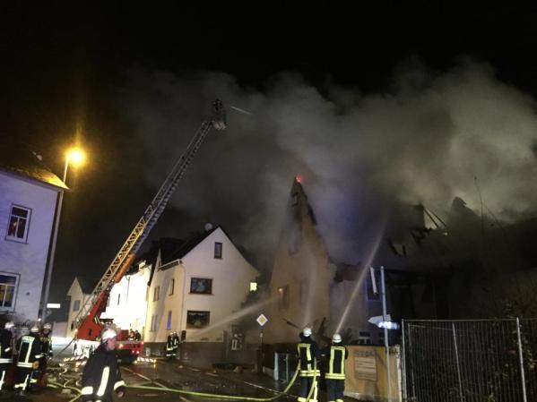 Einsatzgeschehen Wohnhausbrand in Weyer
