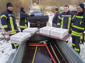 nisschen Pizza für die Helfer1