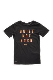 NIKE - Αγορίστικη κοντομάνικη μπλούζα NIKE DRY TEE BUILT NOT BORN μαύρη