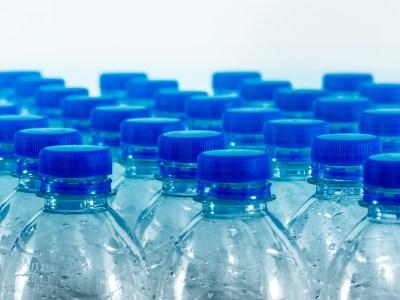 L'EFS expérimente la suppression des bouteilles plastiques en collecte