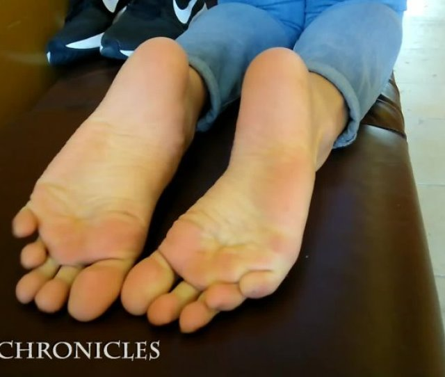 Latina Public Feet Parking Lot Surpirise Publicfootfetish Full Hd Mp4