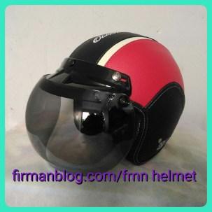helm bogo hitam merah