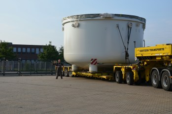VPI 6.8m diameter 22.3 ft from Meier being delivered