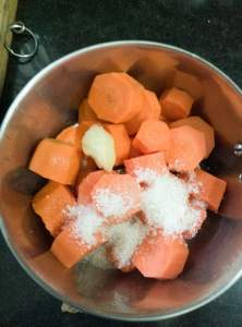 carrot chunks in a blender