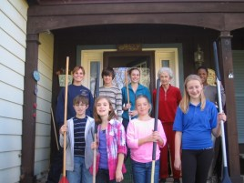 Youth_Group_rake_and_Run_yardwork_for _others