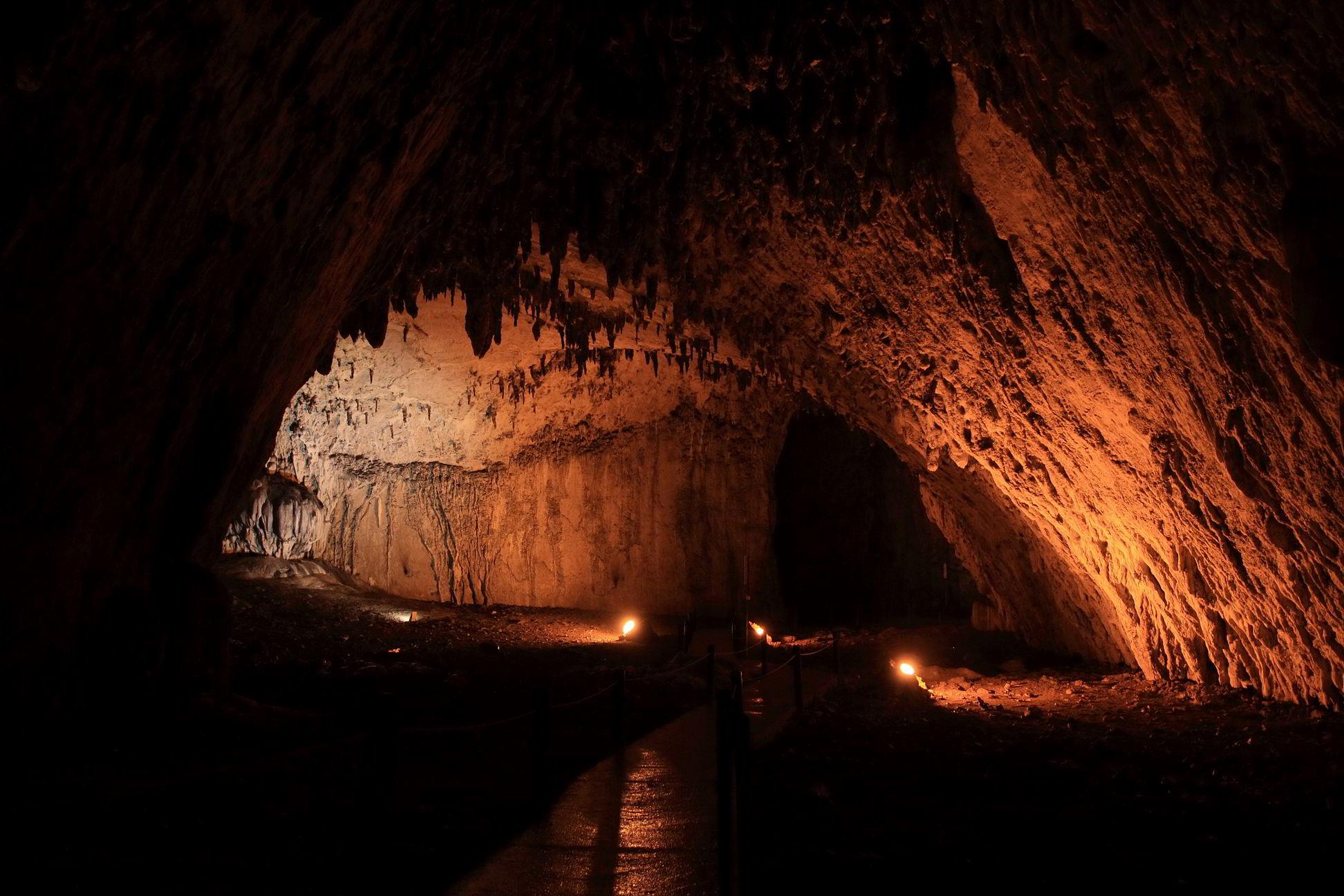 Cavernas  Orlando Fabin Franco Lugo