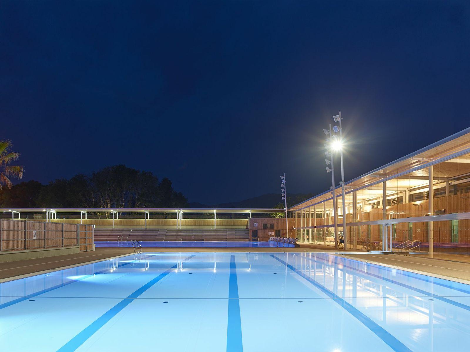 Contruction du centre aquatique Pierre de Coubertin  Cannes 06  FGECO