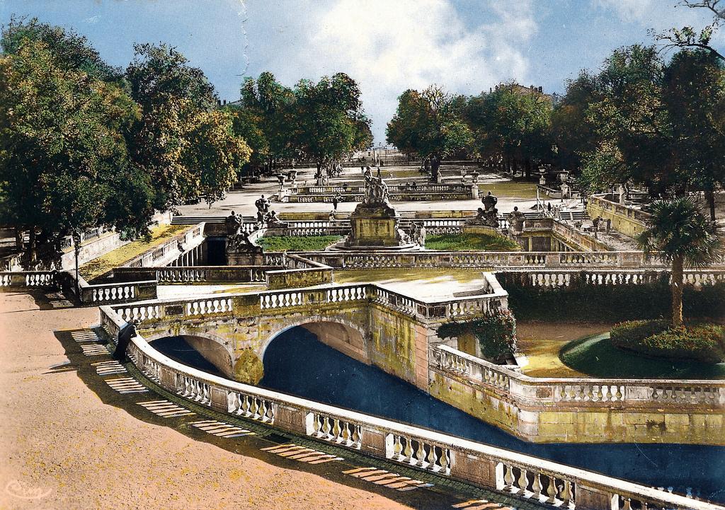 Jardin de la fontaine n mes huit photographies andr le n tre - Jardin des fontaines nimes ...