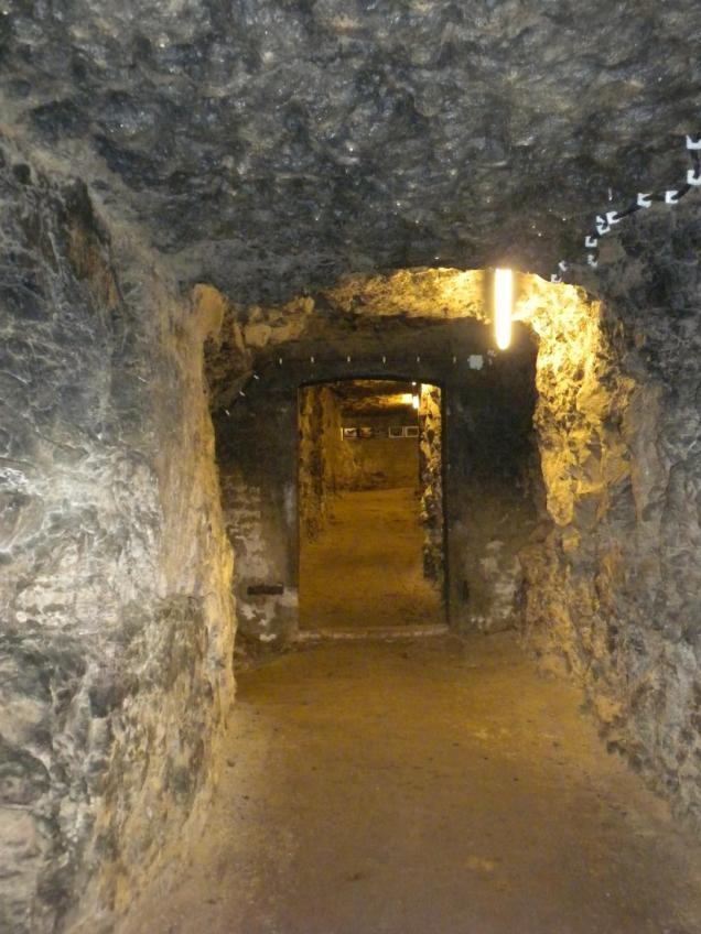 Durchgang im Stollen Gaishalde in Bietigheim.
