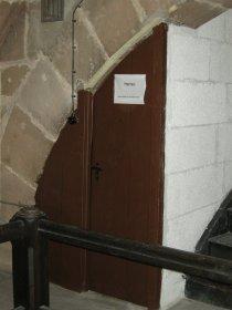 Eingebaute Toilette im Spittlertorturm.