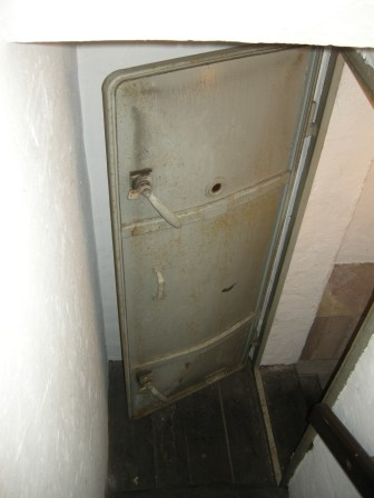 Auch am Aufgang zum Dach wurde eine Gasschleuse eingebaut.