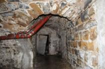 Die Jahrzehnte hatten an den Kellern Spuren hinterlassen.