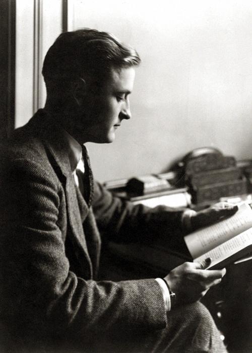 F Scott Fitzgerald, a lost generation writer
