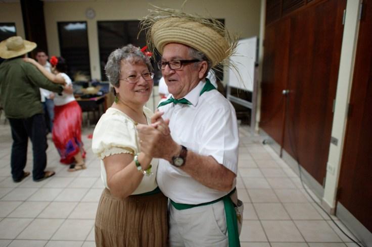 A man wears a puerto rican panama hat