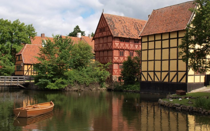 Den Gamle By - water and boat