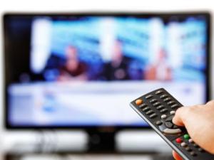 راقب احد البرامج التلفزيونية الحوارية ودون ملاحظاتك عنوان البرنامج التلفزيوني