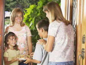 موضوع تعبير عن التعامل مع الجيران والاحسان اليهم
