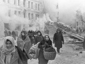 كم استمر حصار القوات الالمانية لمدينة لينينغراد 1944