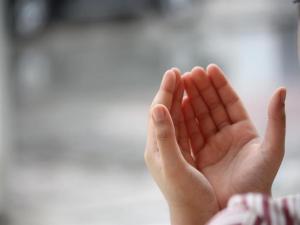 دعاء للميت في رمضان 2018 افضل دعاء للام والاب