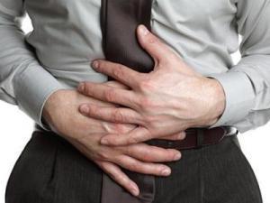 علاج الاسهال للكبار وكيفية تعويض السوائل لتجنب الجفاف