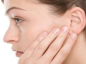 علاج الاذن المسدودة في البيت