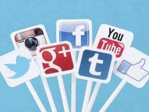 موضوع تعبير عن شبكات التواصل الاجتماعي