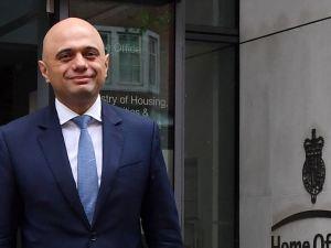 من هو ساجد جاويد المسلم وزير بريطانيا الجديد للداخلية