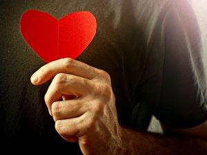 موضوع تعبير عن حب الانسان لاخيه الإنسان