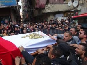 فيديو تشييع جنازةالرئيس الاسبق حسني مبارك وجمال وعلاء في المقدمة