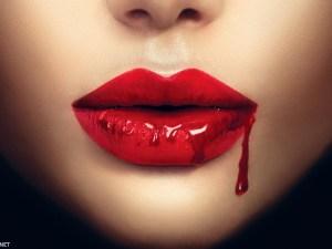 تفسير حلم خروج الدم من الفم للعزباء والمتزوجة