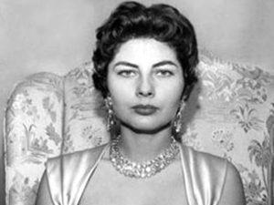 من هي الاميره التي تزوجت من شاه ايران