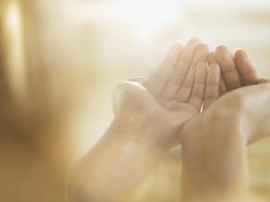 ما صفات الفائزين بالأجر والثواب من الله