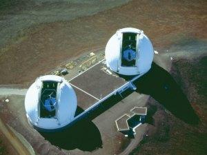 المكان الذي توجد فيه المراصد الفلكية يكون غالباً