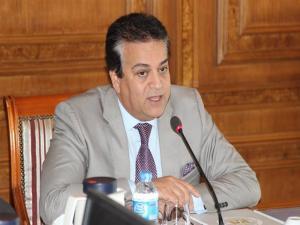 سبب اقالة وزير التعليم العالي في مصر
