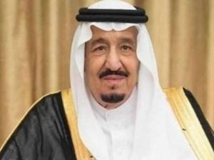 ختم الملك سلمان بن عبد العزيز القرآن كاملاً في مدرسة الأمراء بالرياض
