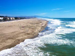 مستوى الماء في البحر وانخفاضه يعرف ب